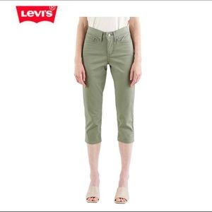 Levi's 311 Shaping Skinny Capri's